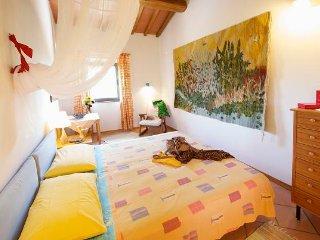 Podere Zollaio - Chiocciola - Vinci vacation rentals