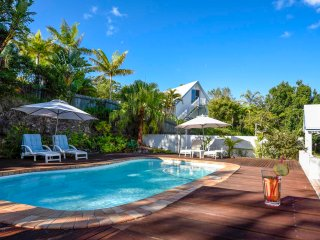 Nice Guest house with Internet Access and Shared Outdoor Pool - Yandina vacation rentals