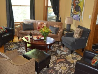 Beautiful & Spacious--Room for EVERYONE! Sleeps Up to 21! - Chicago vacation rentals