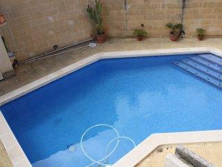 3 Bedroom Semi Detached Villa, Madliena - Pembroke vacation rentals