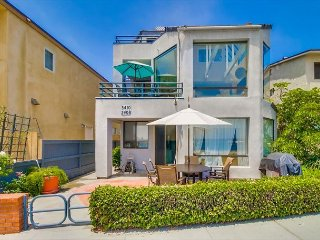 3 bed 3 bath condo located directly on the bay with amazing water views. - Pacific Beach vacation rentals