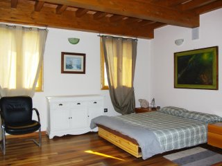 La Piccola Torre stanza beltramonto - Scandiano vacation rentals
