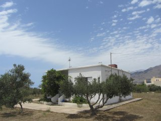 Peaceful house in Frangokastello - sandy beach 200 m - Frangokastellon vacation rentals