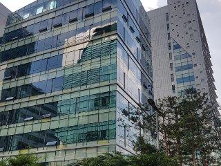 Sangam DMC Savoy City (near Sangam MBC) - Goyang-si vacation rentals