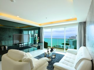 5 Star Luxury 21st Floor Condo Close To The Beach - Pattaya vacation rentals