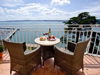 Wellswood, Bay Fort Mansions located in Torquay, Devon - Torquay vacation rentals