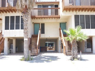 Convenient 2 bedroom Port O Connor House with A/C - Port O Connor vacation rentals