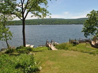 Waterfront Cottage on Honeoye Lake, stunning view - Honeoye Lake vacation rentals
