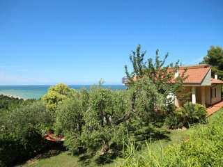 Charming 4 bedroom Villa in Cupra Marittima with Internet Access - Cupra Marittima vacation rentals