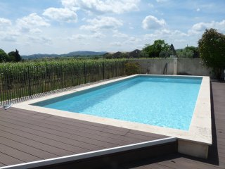 Le Reve, uninterrupted views across the vineyards - Jonquieres vacation rentals