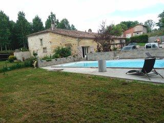 Meublé neuf piscine près de Bordeaux Saint Emilion - Arveyres vacation rentals