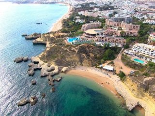Apartamento familiar no Centro de Albufeira - 5m a pé da praia dos pescadores - Albufeira vacation rentals