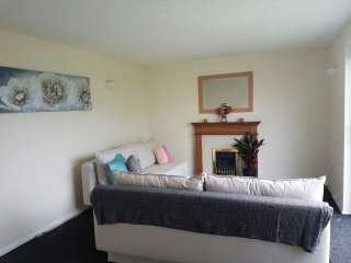 4 Bed House in Penarth Cardiff - Cardiff vacation rentals