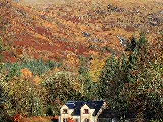 Beautiful 4 bedroom Ardgour House with Parking - Ardgour vacation rentals