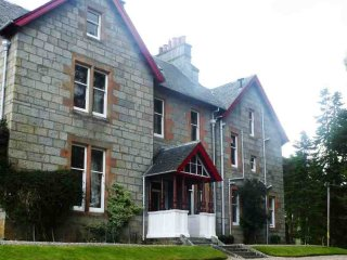 9 bedroom Lodge with Parking in Crathie - Crathie vacation rentals