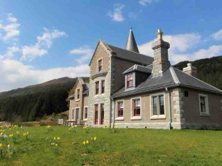 Comfortable Lodge with Private Fishing and Parking - Dalwhinnie vacation rentals