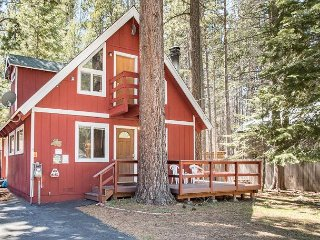 Charming Tahoe Chalet – 3BR/2BA -- Sleeps 8 - South Lake Tahoe vacation rentals
