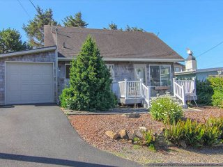 Modern Ocean View Home with Hot Tub 1 block from Beach in Roads End - Lincoln City vacation rentals