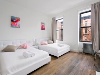 8 people ★ 2 min to park ★ all new - New York City vacation rentals