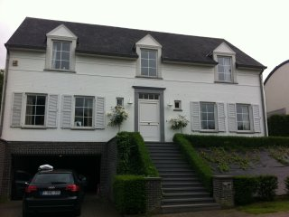 Beautiful 3 bedrooms with with private pool - Tervuren vacation rentals