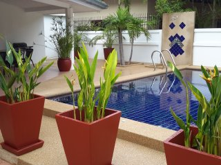 Na jomtien close to water parks.4 bed pool villa - Sattahip vacation rentals