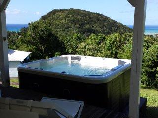 Soleil Couchant, gite climatisé, spa privé, vue - Deshaies vacation rentals
