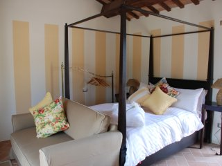 Romantic apartment with pool - San Ginesio vacation rentals