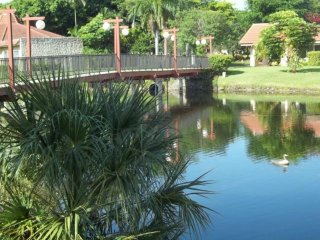 Bright Apartment with A/C and Washing Machine in Fort Lauderdale - Fort Lauderdale vacation rentals