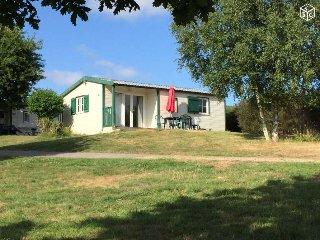 Cottage dans Village vacances et nature - Sulniac vacation rentals