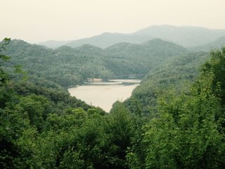 Morning View Over Lake Fontana- Three Bedroom Upscale Rental With Breathtaking View - Bryson City vacation rentals