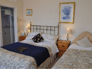 Brook House Family En-suite Room 5 - Broadway vacation rentals
