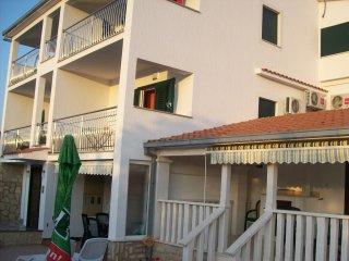 Vacation rentals in Vinisce