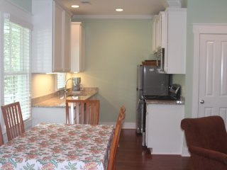 Charming Cottage with Internet Access and Dishwasher - Savannah vacation rentals