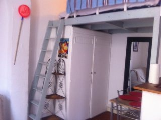 Studio meublé avec mezzanine/Le Panier/prox.MUCEM - Marseille vacation rentals