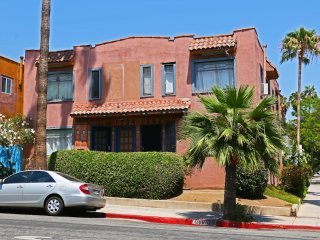 #01 Sunny Flat 1BR West Hollywood - Los Angeles vacation rentals