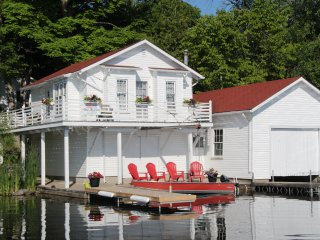 Romantic Boathouse with Internet Access and Parking - Youngs Point vacation rentals