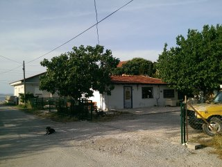 Stone fisherman house ın 2500 m2 garden beside sea - Urla vacation rentals