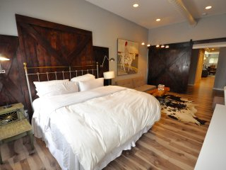 Nice Condo with Television and DVD Player - Philadelphia vacation rentals