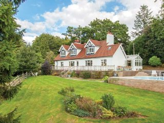 NEWICK HILL HOUSE detached, en-suite, woodburner, swimming pool, in Newick Ref 939497 - Newick vacation rentals