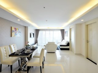 5 Star Luxury 18th Floor Condo Close To The Beach - Pattaya vacation rentals
