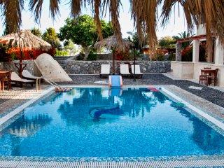 Santorini Villa The Birds Apartment for 2 Free Car - Perissa vacation rentals