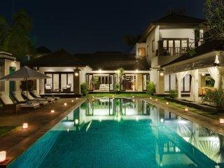 Luxury 2, 3 Bedroom Waterfront Villa, Nusa Dua; - Nusa Dua vacation rentals