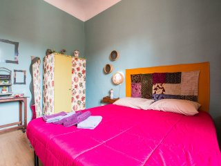 Colorful 1 Bedroom Apartment in Florence - Florence vacation rentals