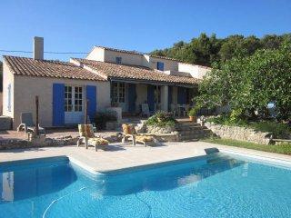 Mas provençal au calme vers Aix en Pce, Marseille - Velaux vacation rentals