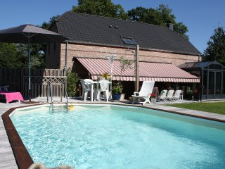GITE VILLA DELORINA AVEC PISCINE,jaccuzi, sauna... - Godinne vacation rentals