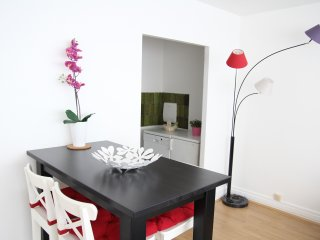 New apartment at the Eiffel Tower - Paris vacation rentals