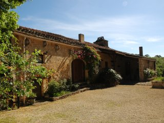 Nice House with Internet Access and Television - Saint-Front-sur-Lemance vacation rentals