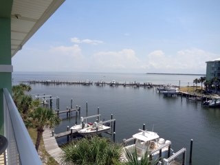 Bay front 2/2 has boat slip - starts 8/1/16 - Fort Morgan vacation rentals