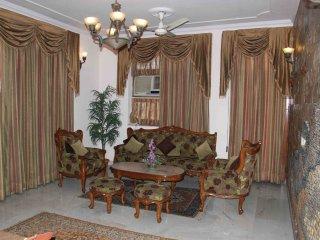 3BD WOW!! Serviced Apartment, Lajpat Nagar - New Delhi vacation rentals