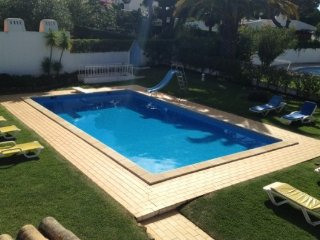 Stunning Vilamoura Holiday Villa with pool heat - Vilamoura vacation rentals